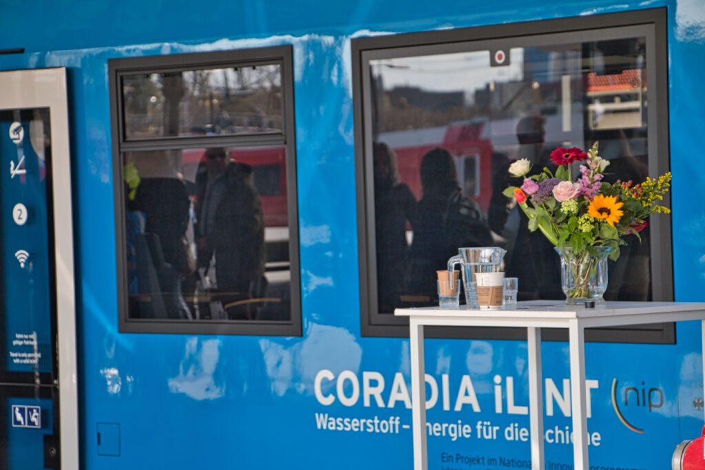 Feest op station Groningen